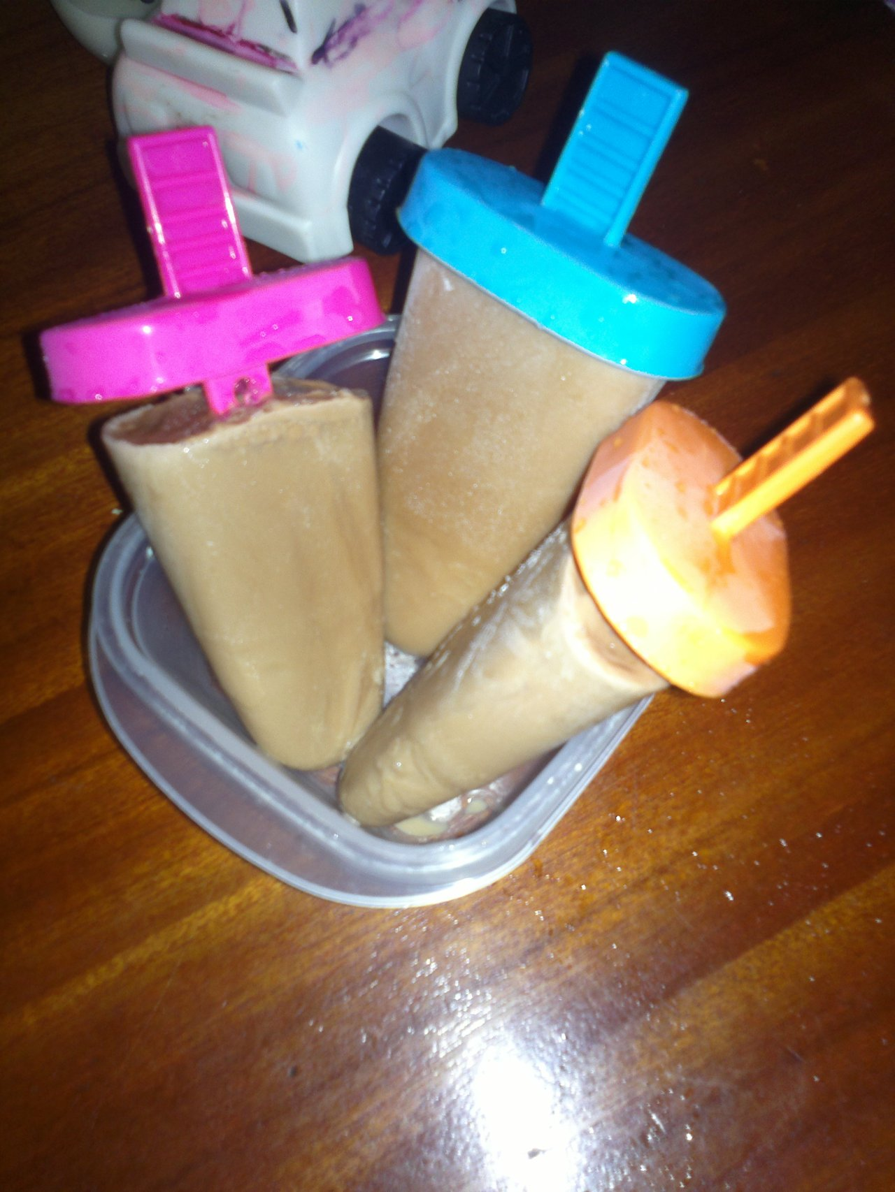 How to get your kids to drink more milk...make popsicles1